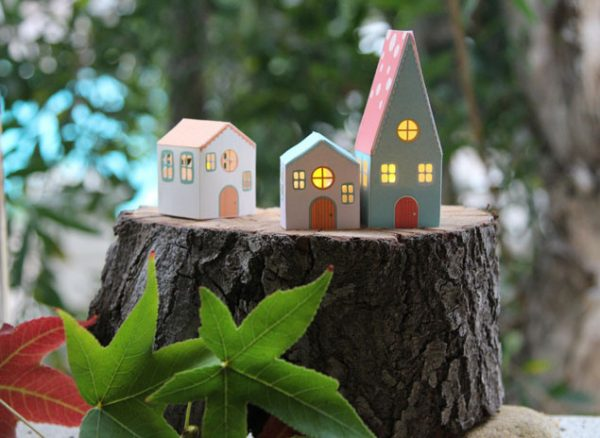 paper house luminaries - A Piece of Rainbow via @Remodelaholic