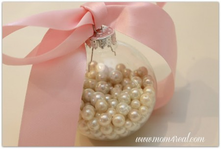 Pearl Filled Clear Ornaments - Try these 35+ DIY ideas for clear glass ornaments to add precious memories and lots of spirit to your Christmas tree! from @tipsaholic #ornaments #diy #christmas