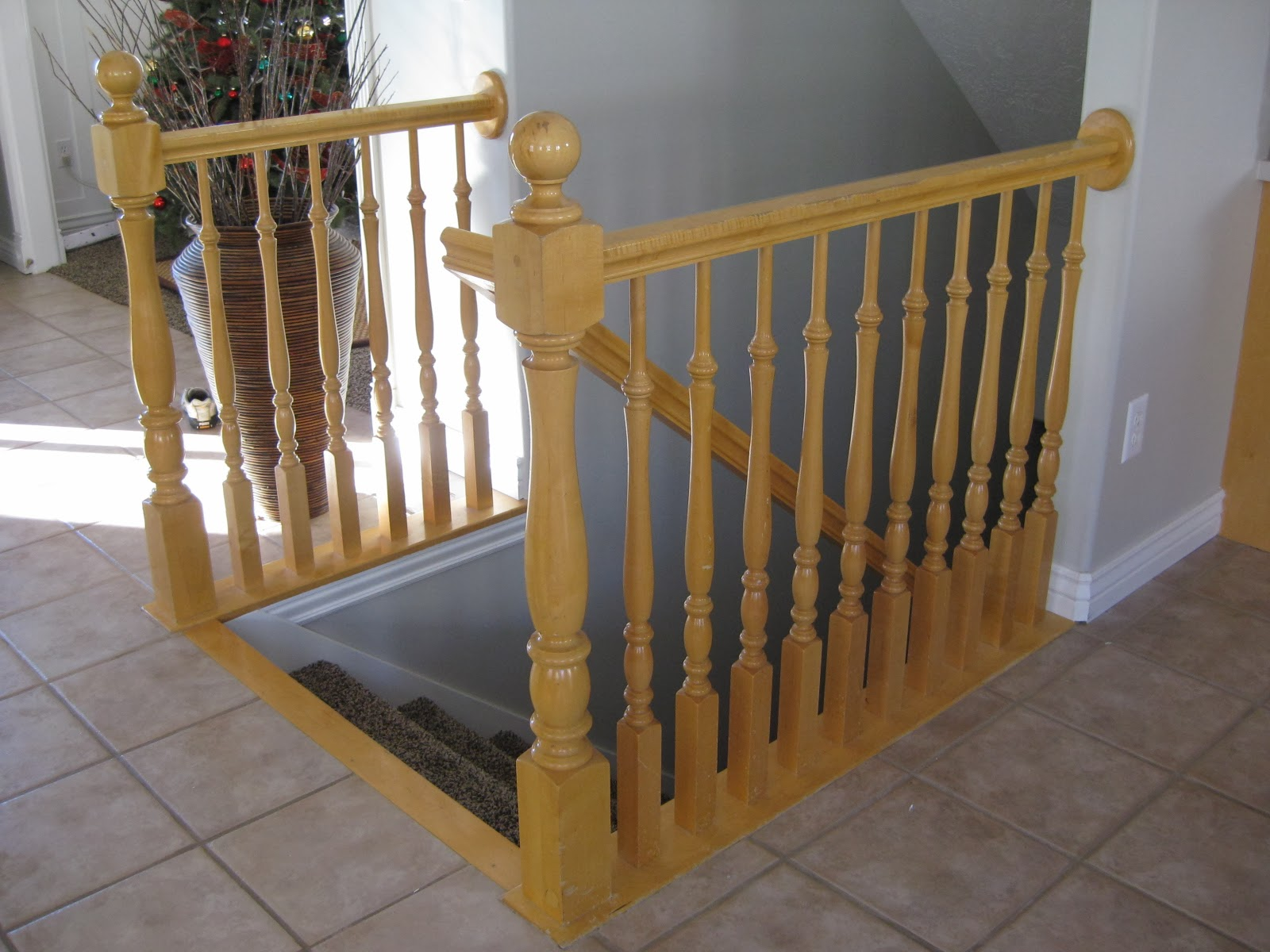 Stair Banister Before Makeover   TDA Decorating And Design Featured On  @Remodelaholic