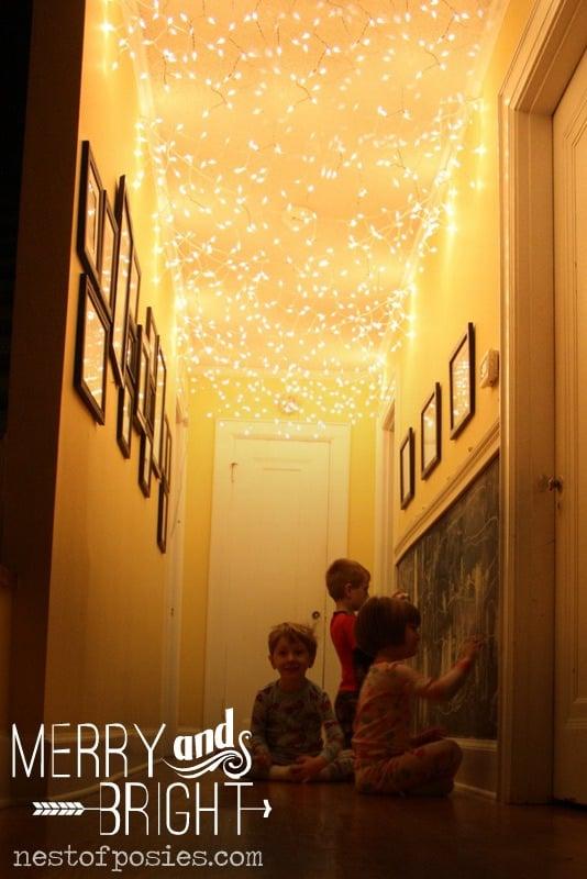 twinkle light ceiling - Nest of Posies via @Remodelaholic
