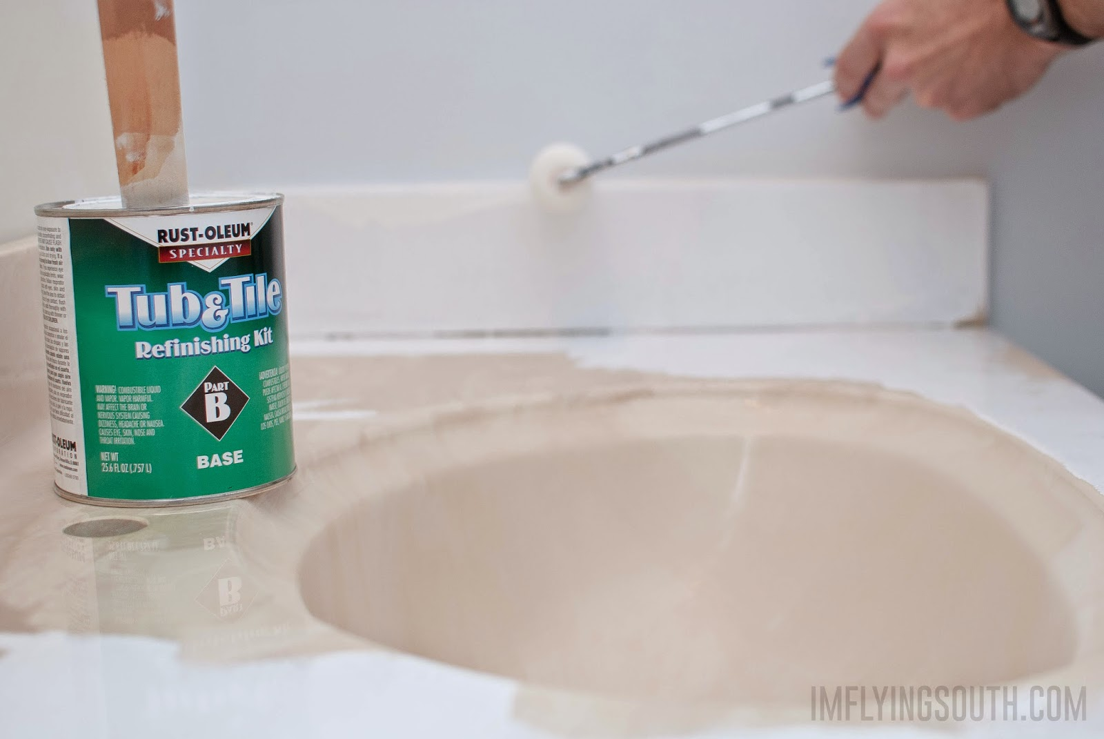 use tub and tile paint to refinish an integral sink and countertop bathroom vanity - I