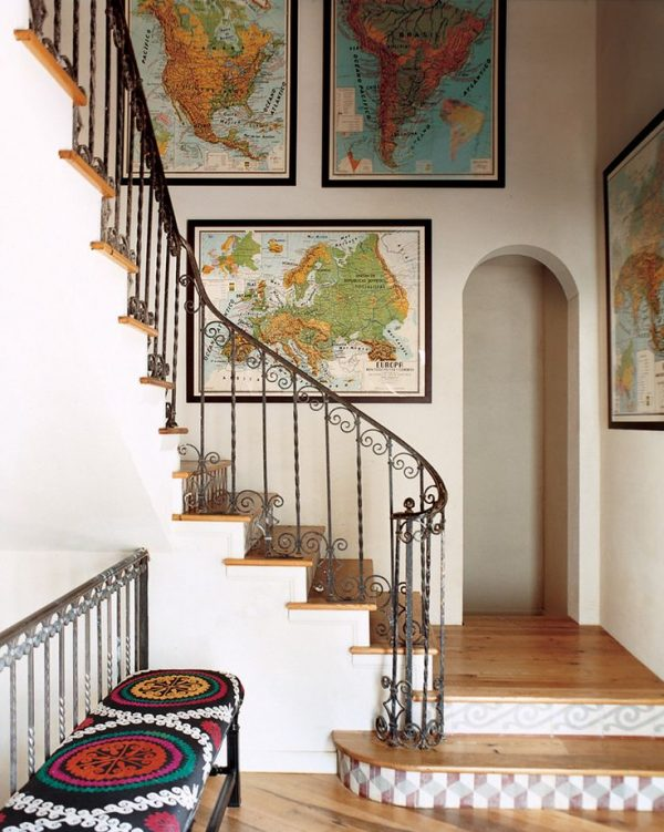 how to display vintage maps | Remodelaholic.com #art #printable #maps