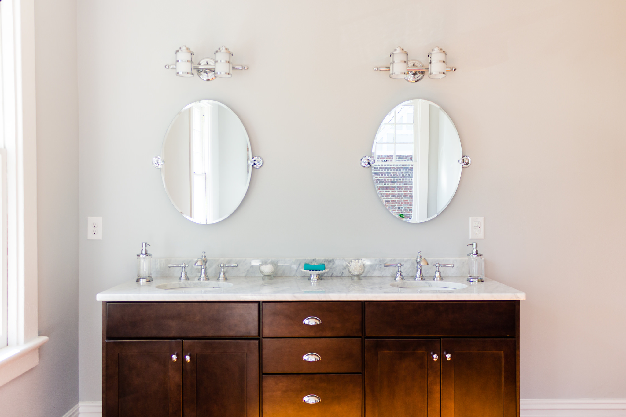 Bathroom Mirror Inspiration remodelaholic | spacious bathroom inspiration