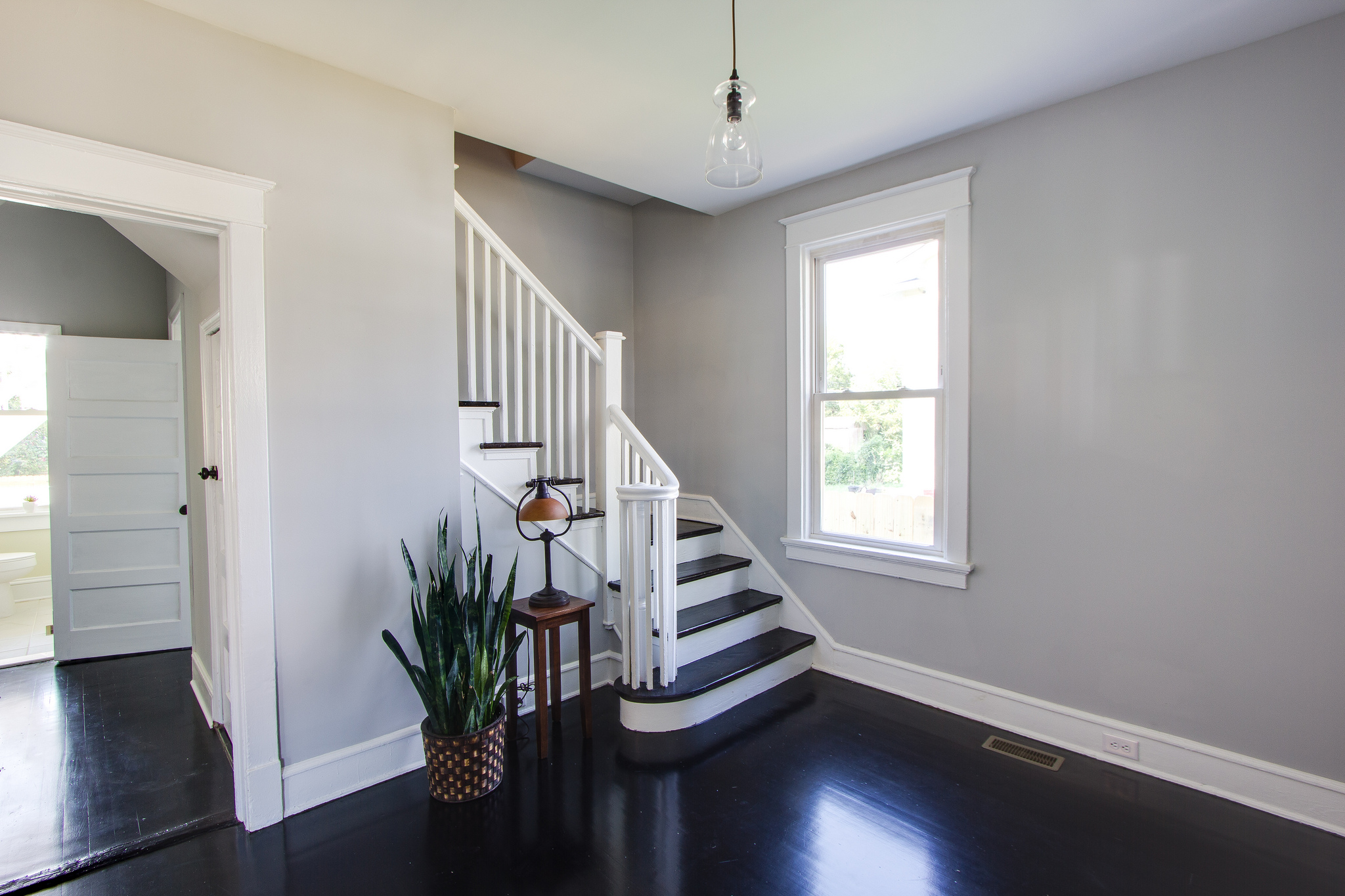 Remodelaholic : Renovating for an Inviting Entryway