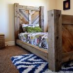 Rustic chevron bed on hertoolbelt