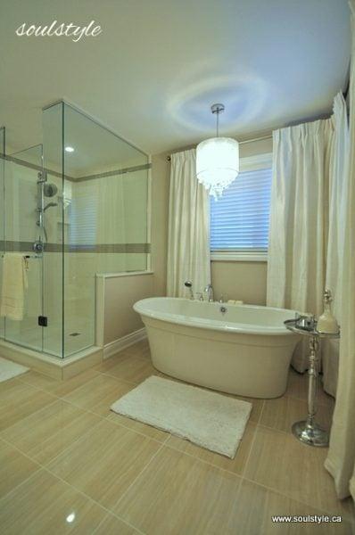 neutral spacious bathroom - Soul Style via @Remodelaholic