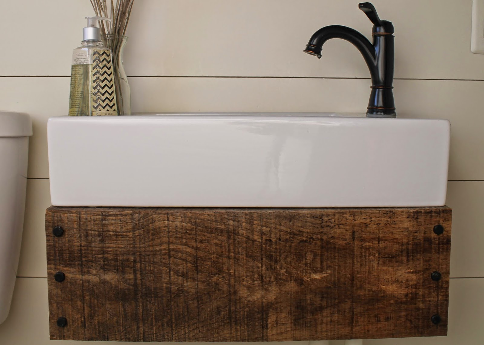 Reclaimed Wood Floating Vanity Diy Meets Carpenter Featured On Remodelaholic