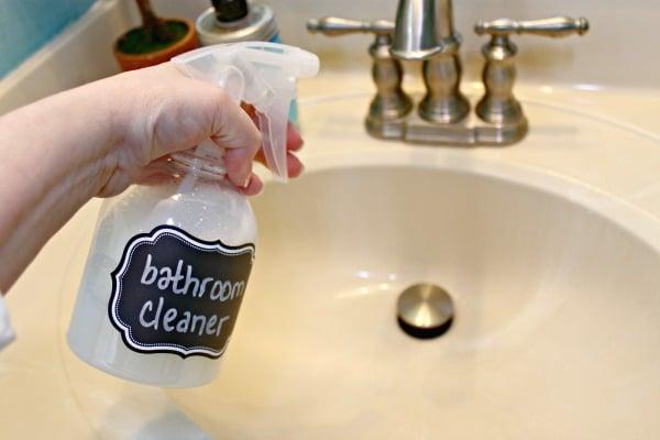 DIY All Natural Bathroom Cleaner - Remodelaholic