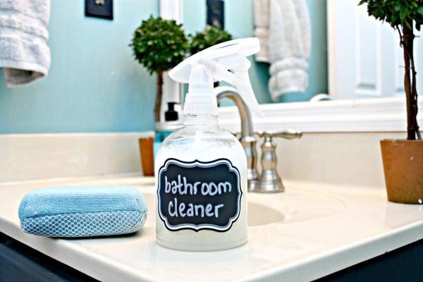 Remodelaholic DIY All Natural Bathroom Cleaner - Natural bathroom cleaner