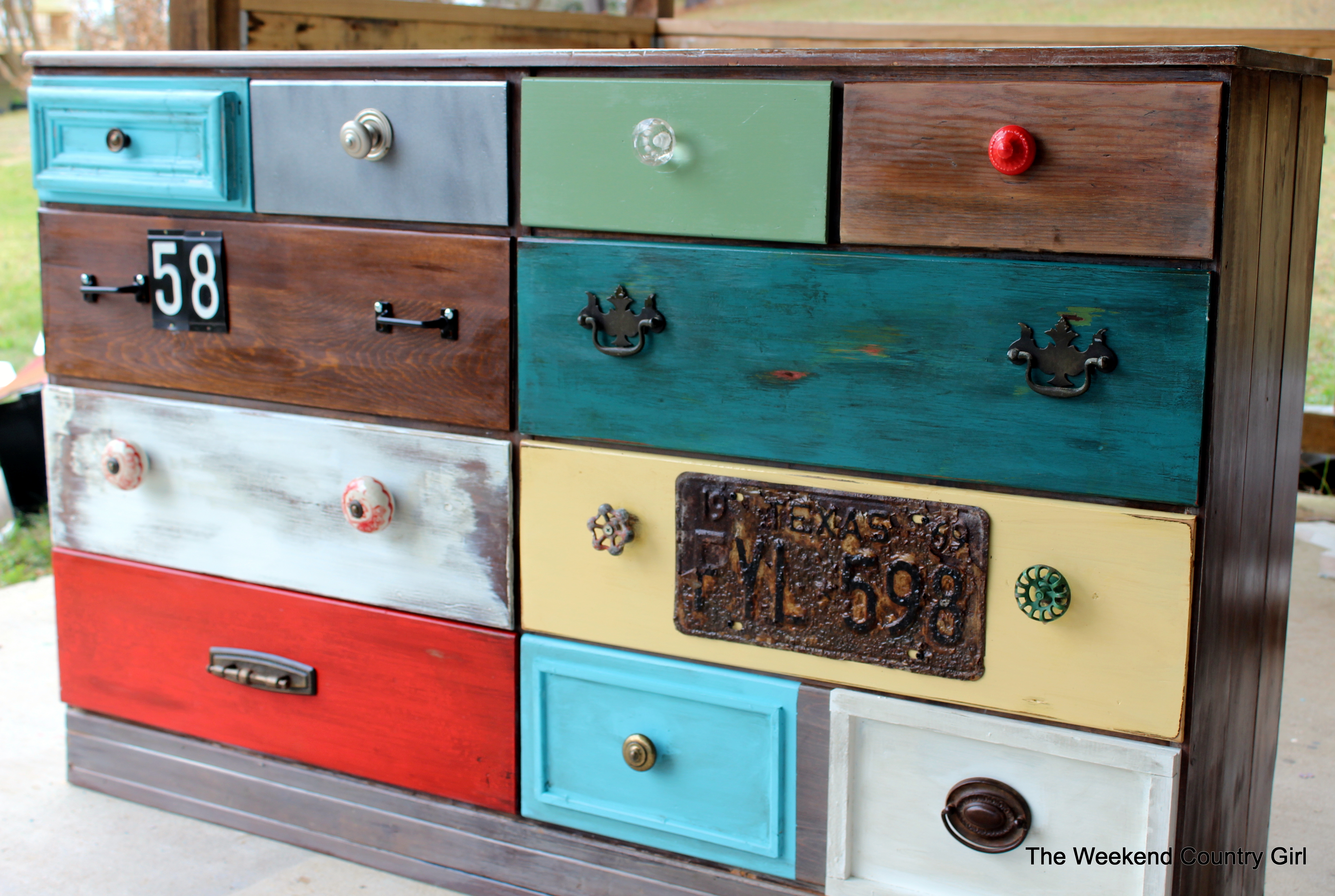 Create A Rustic Look With Wood Stain 07 By The Weekend Country Girl On  @Remodelaholic