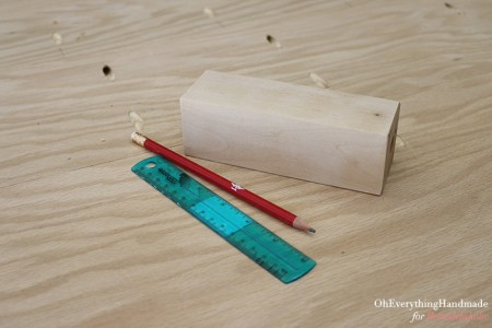 Ikea Karlstad Tapered leg - sanding the legs and measuring