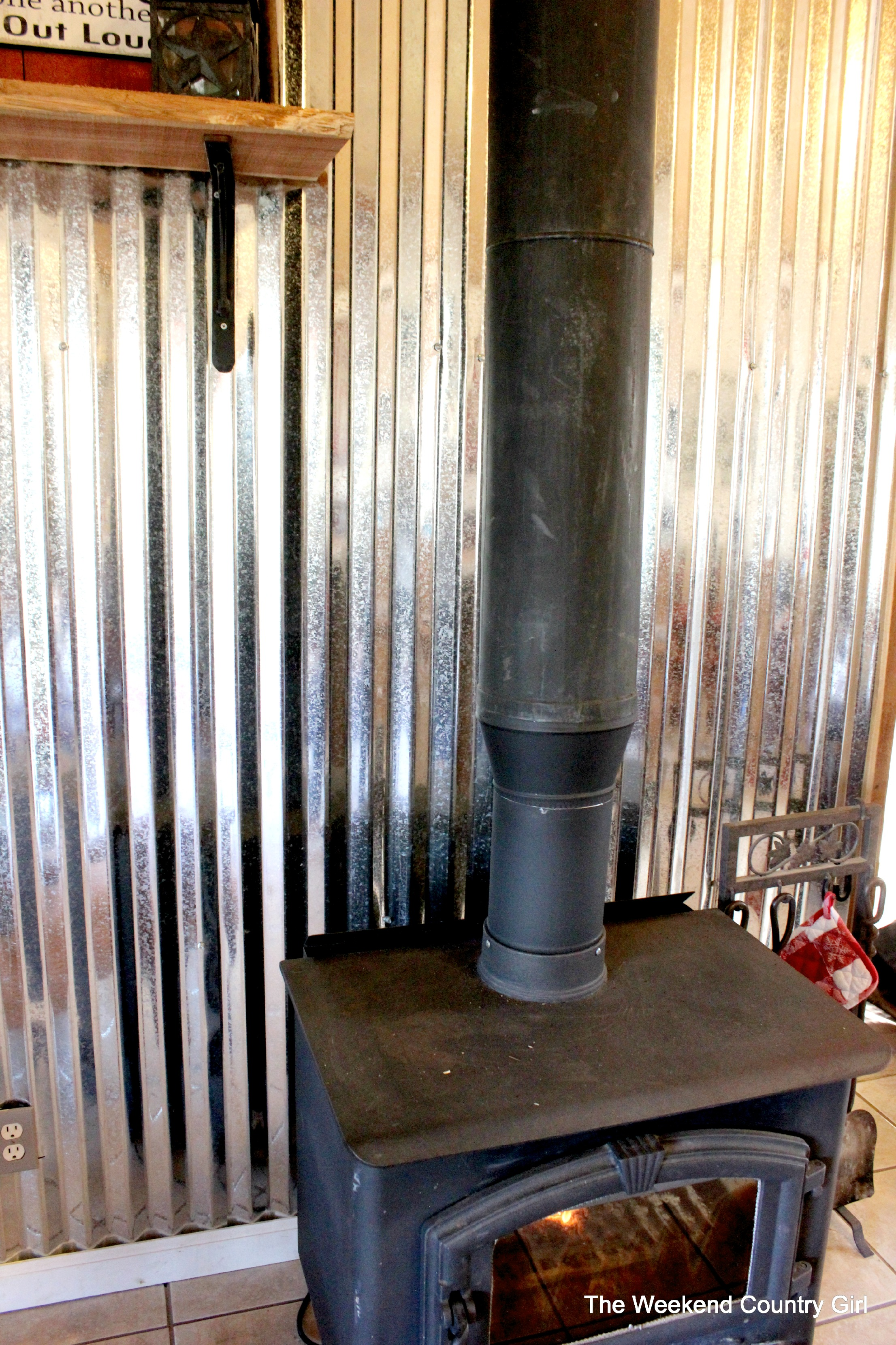 Corrugated Tin Metal Sheet Wall Treatment Tutorial The Weekend Country Featured On Remodelaholic