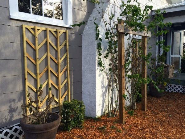 diy wooden chevron lattice - Easter Avenue Co on @Remodelaholic
