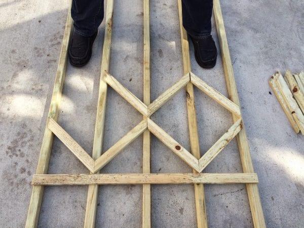 make a diamond pattern diy lattice for the garden - Easter Avenue Co on @Remodelaholic