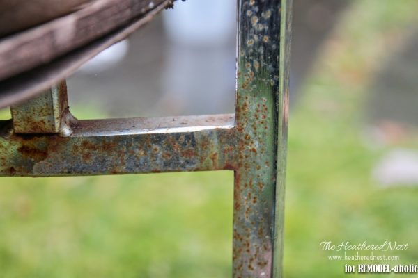 How to repair and refinish a rusty chrome chair by The Heathered Nest featured on @Remodelaholic