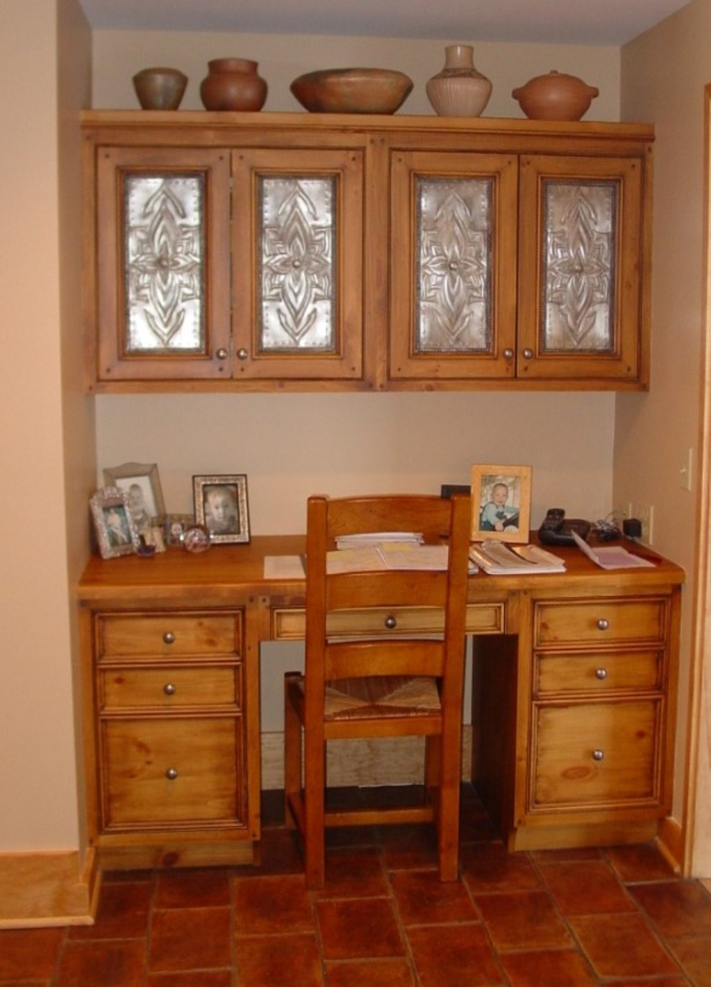 Smart Organizing And Storage Solutions   Built In Antique Desk  @Remodelaholic