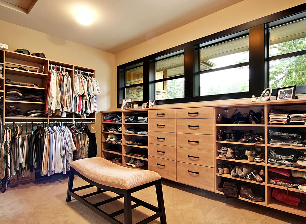 Smart Organizing And Storage Solutions   Master Closet @Remodelaholic