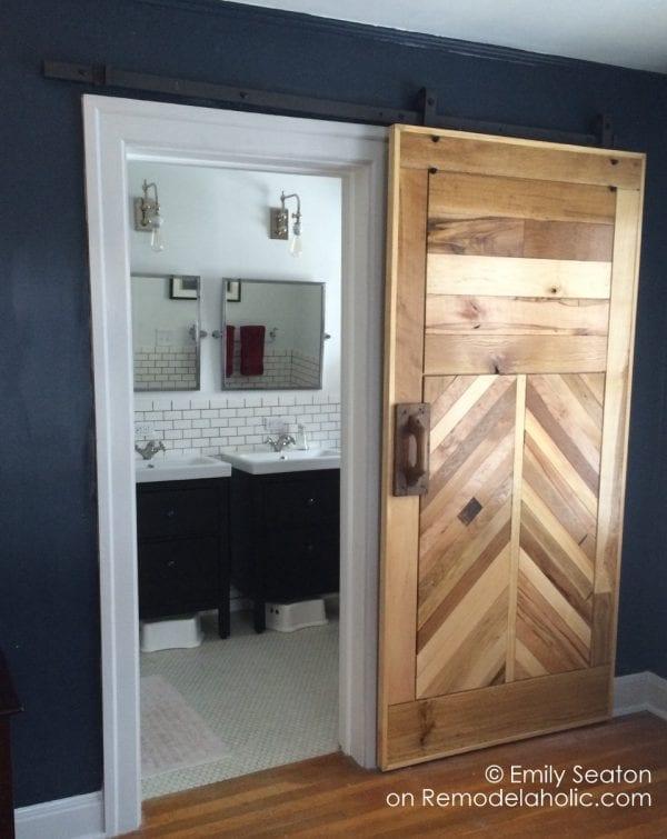 DIY chevron barn door, wood herringbone barn door, woodworking plans and tutorial