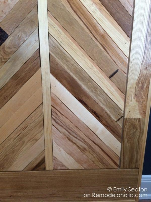 herringbone detail on a wood chevron barn door, diy woodworking plans