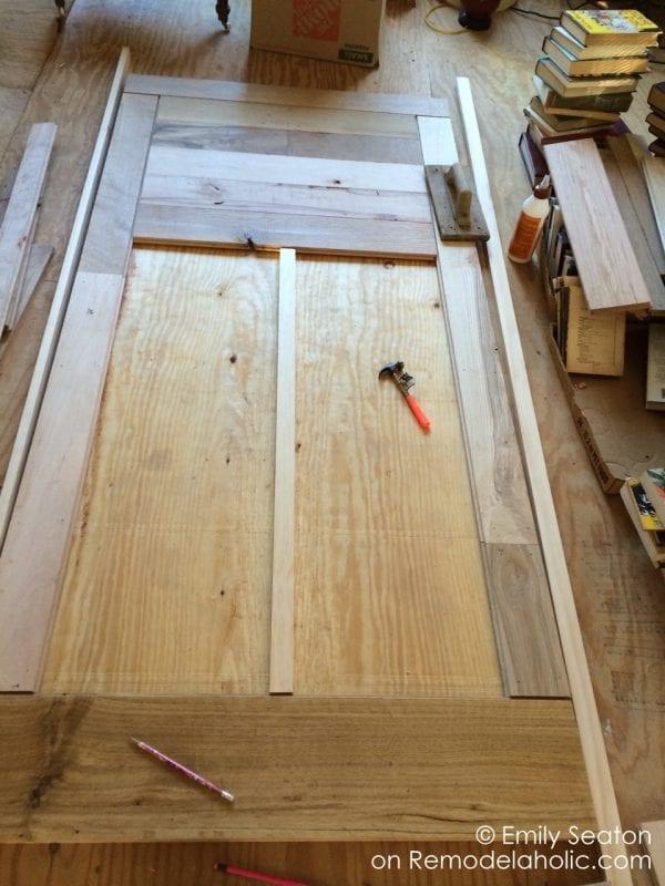 diy chevron barn door, reclaimed wood herringbone barn door detail