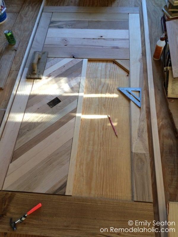 build a wood barn door with chevron pattern, diy herringbone barn door detail