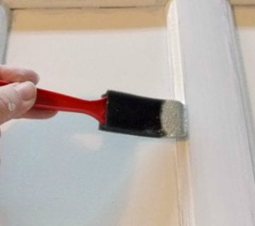 How to Paint Cabinet Doors