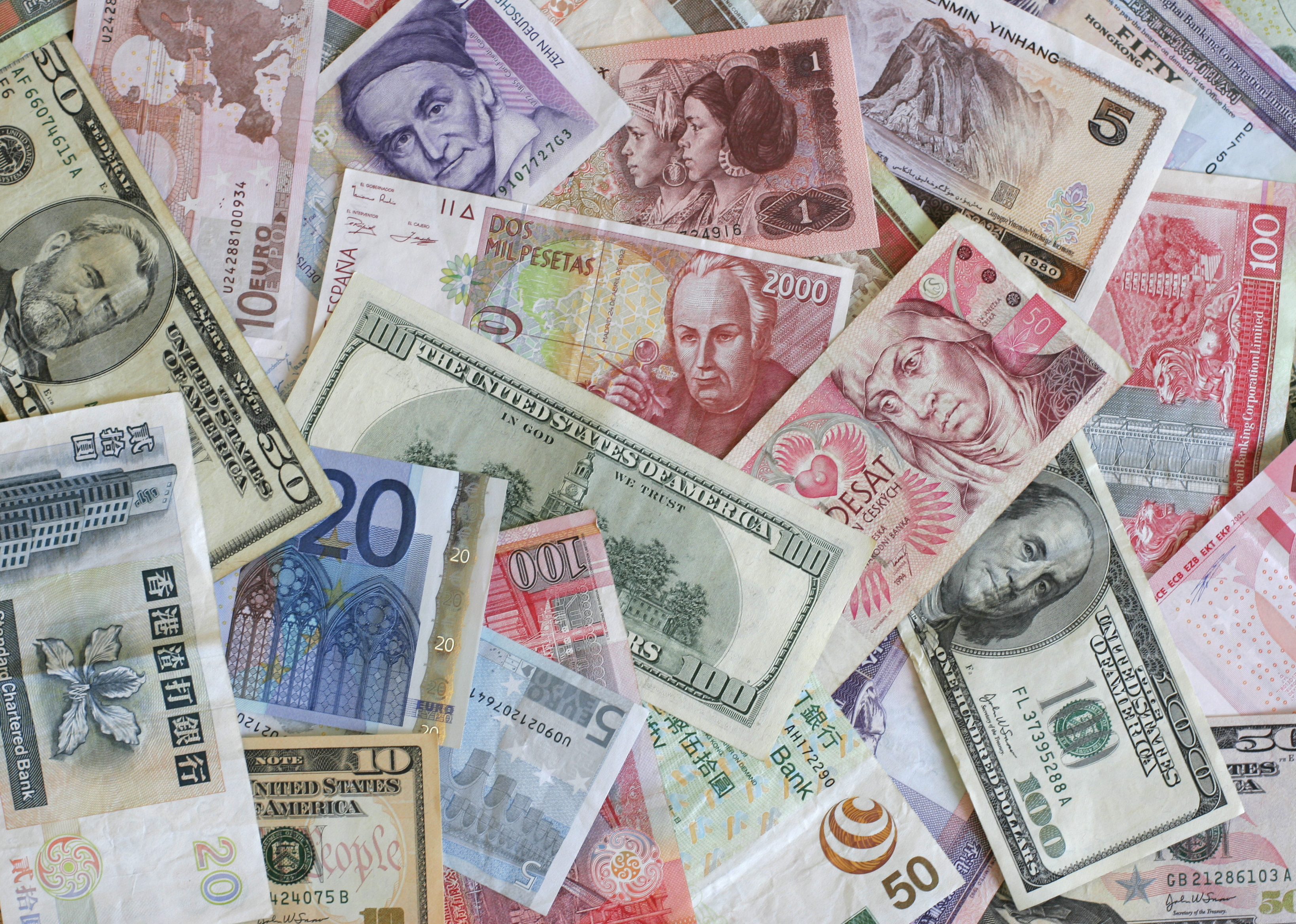 10 Fun DIY Ideas for Leftover Foreign Money