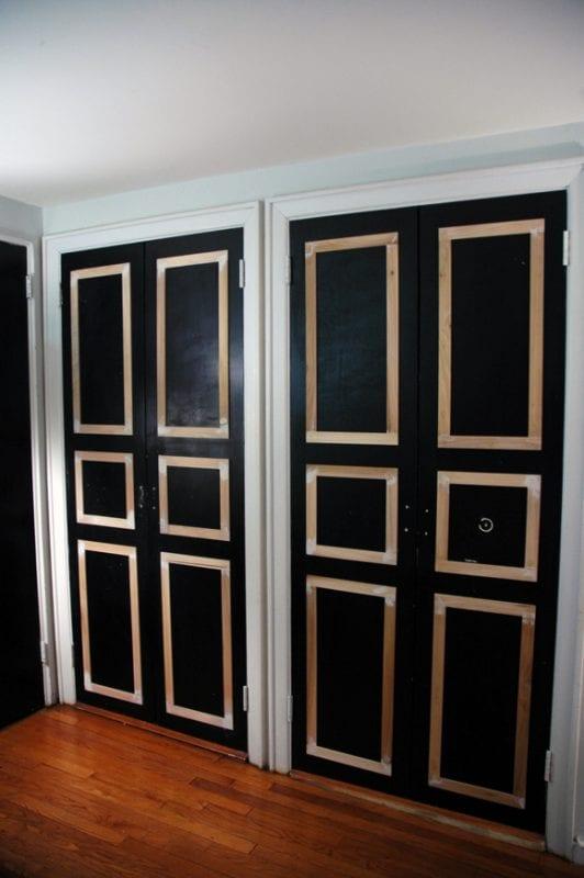 6 panel closet doors DIY update - Little Green Notebook