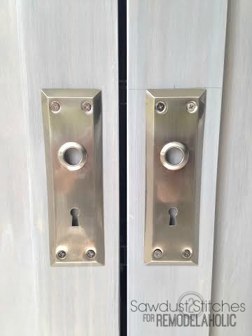 Pantry Door Hardware Sawdust2stitches for Remodelaholic.com