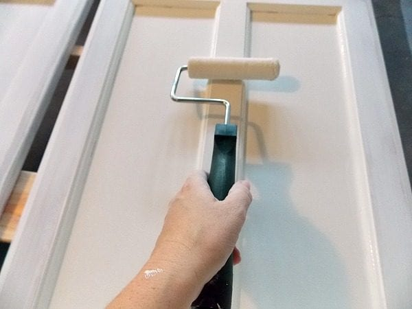 Step by Step Tutorial for Paiting Cabinet Doors by The Palette Muse featured on Remodelaholic