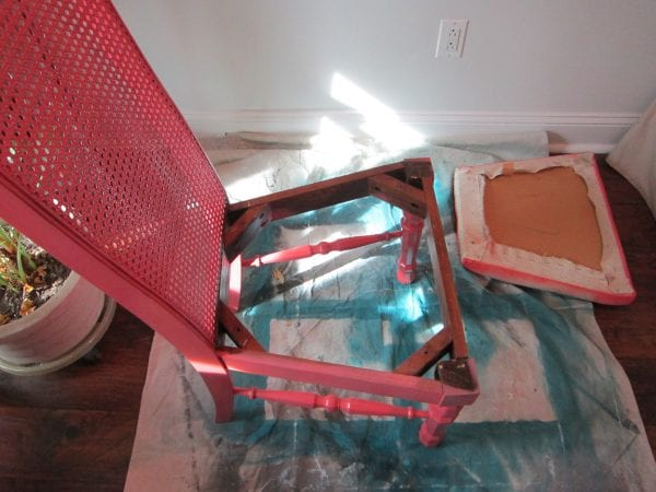 disassemble chair and remove cushion to redo - The Honeycomb Home on @Remodelaholic