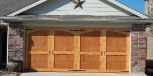 feature updated wood garage door DIY @Remodelaholic