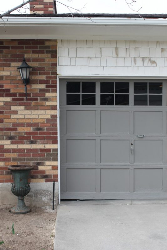 garage door makeover adding trim to windows 4Men1Lady