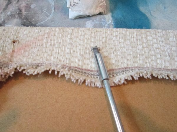 how to recover a chair cushion - The Honeycomb Home on @Remodelaholic