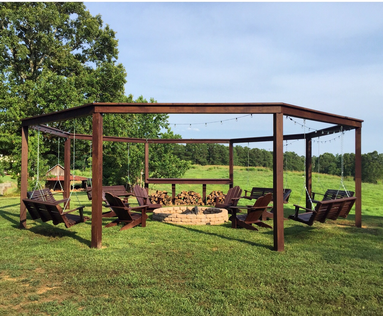 Remodelaholic Tutorial Build An Amazing Diy Pergola And Firepit With Swings