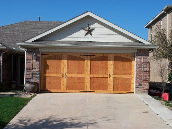 Remodelaholic 8 diy garage door updates for Build carriage garage doors