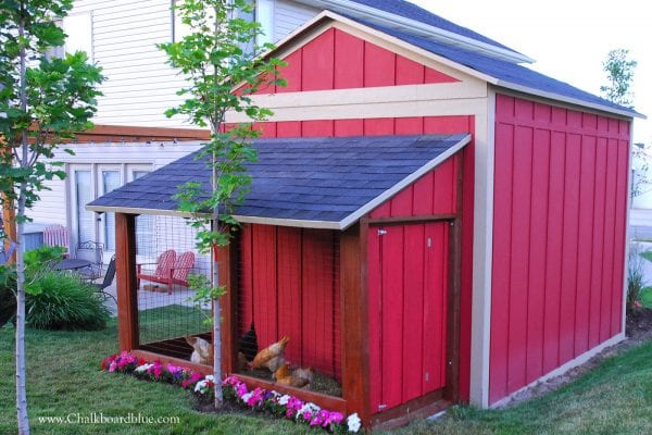 Chicken Run with Attached Storage Shed by Chalkboardblue featured on Remodelaholic