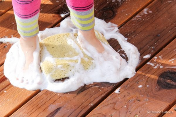 Cleaning with Scotts Outdoor Oxiclean cleaner (18 of 30)