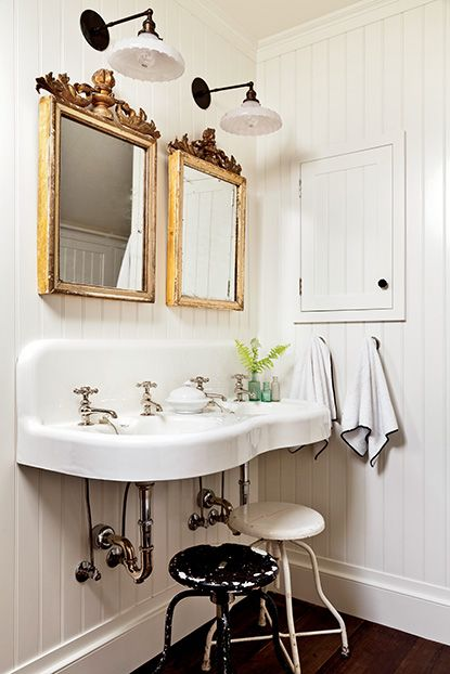 Southern style bathroom
