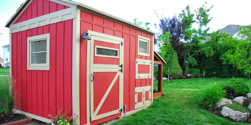 Cute DIY Chicken Coop with Attached Storage Shed