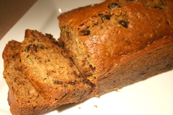 foodieaholic-zucchini-bread-remodelaholic