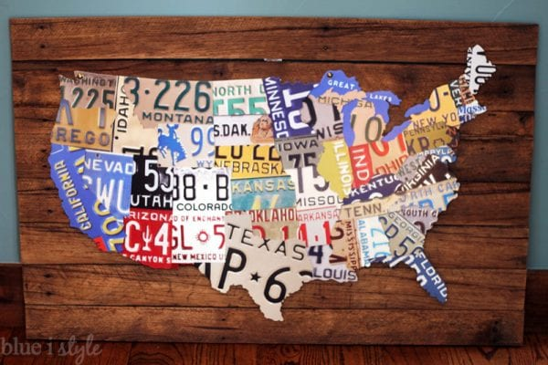 Wall Decor Ideas: DIY License Plate Map Wall Art by Blue i Style featured on Remodelaholic
