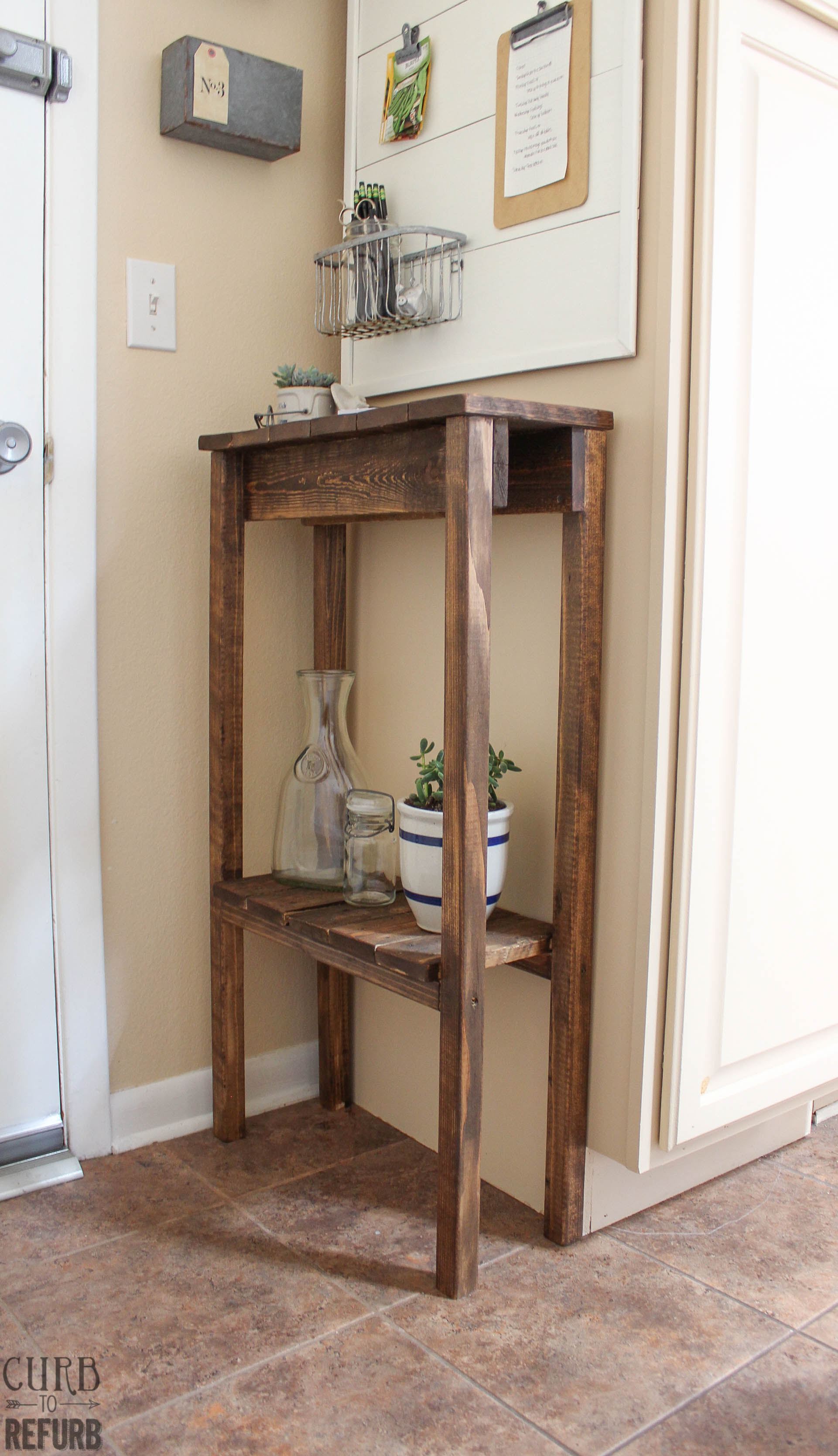 Diy crate console table - Diy Pallet Console Table By Curb To Refurb Featured On Remodelaholic