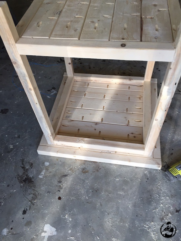 DIY Simple Square Side Table Plans - Step 10
