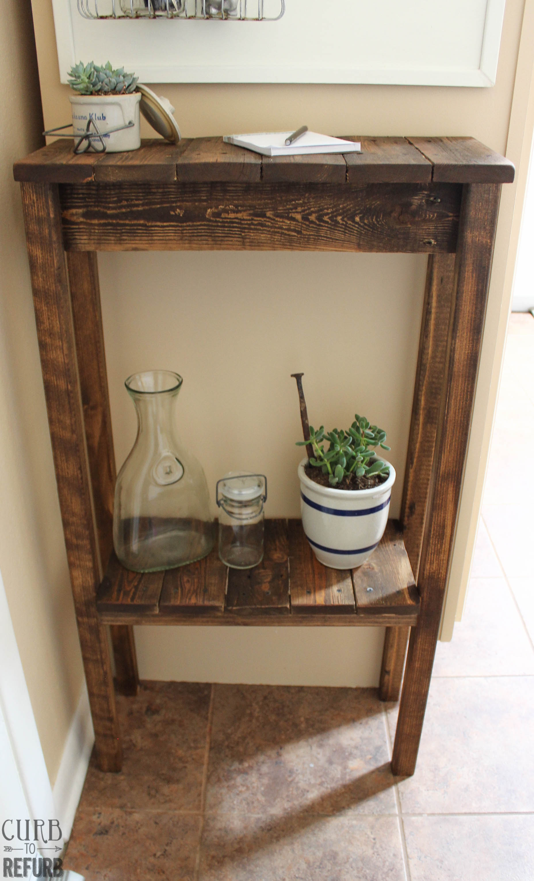 Diy crate console table - How To Turn A Pallet Into A Console Table By Curb To Refurb Featured On Remodelaholic