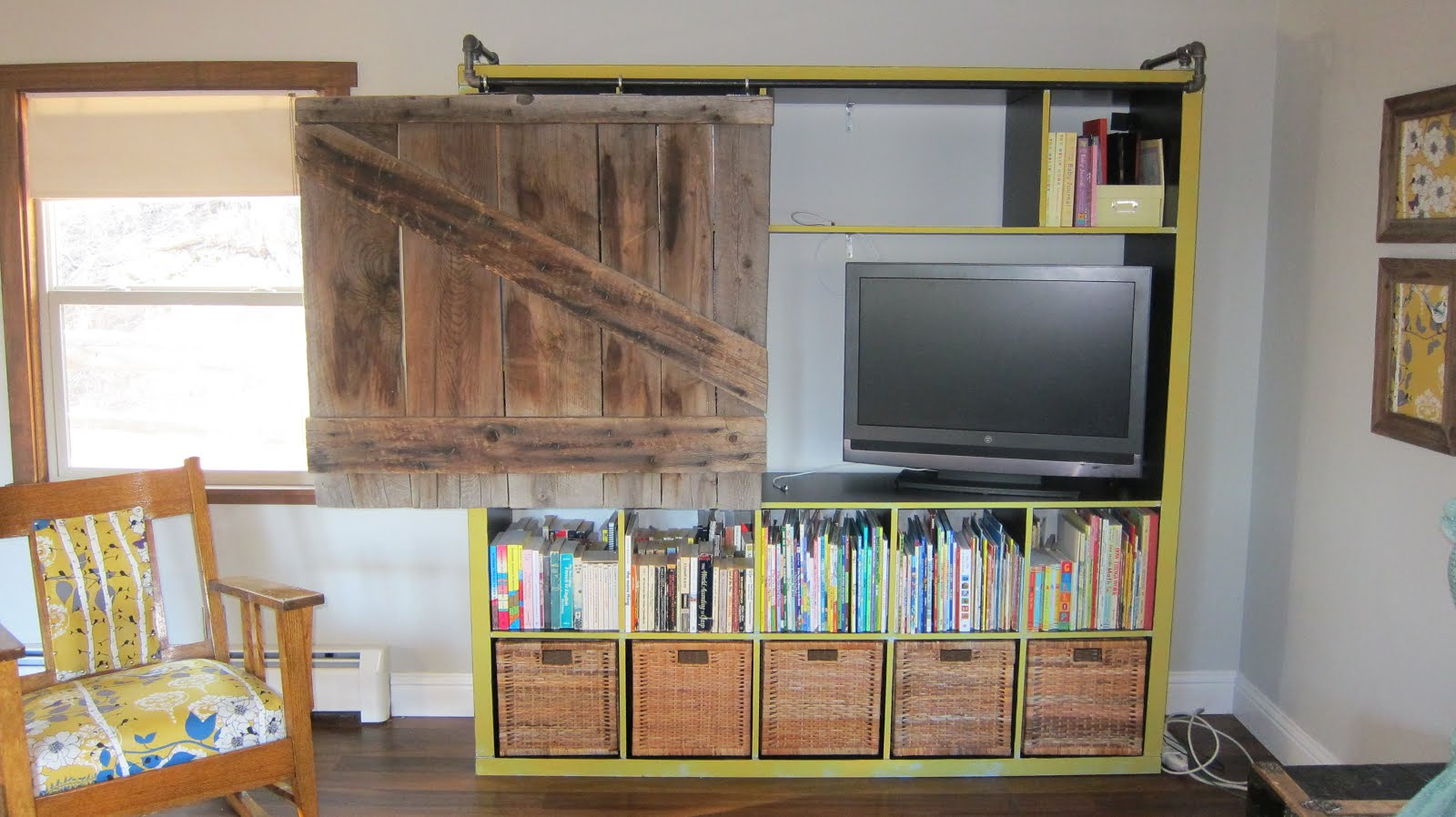 Remodelaholic 95 Ways To Hide Or Decorate Around The Tv