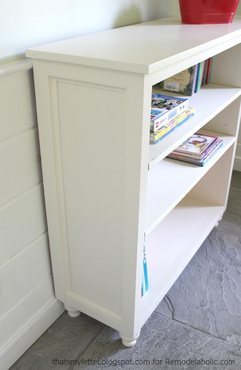 Easy Side Panel On A Bookshelf Has Adjule Shelves