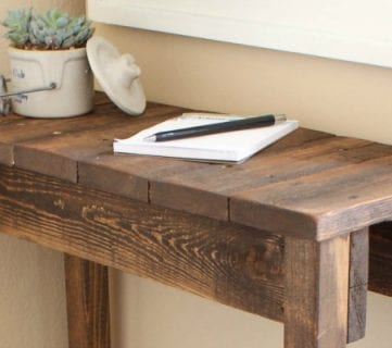 Build a Pallet Table for Under $10