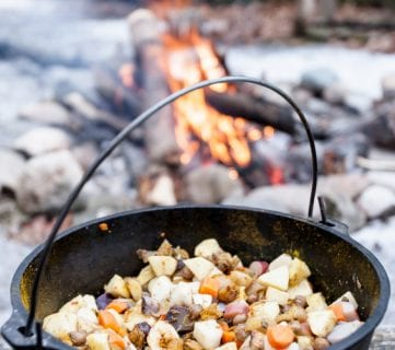 5 Easy Recipes for Camping Dinners