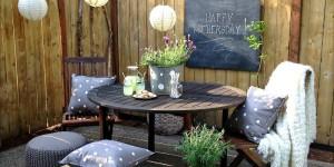feature patio table setup, Little Brags